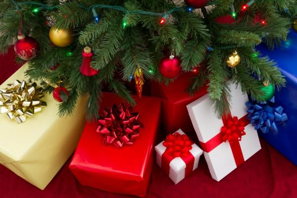 kerstboom-met-cadeaus